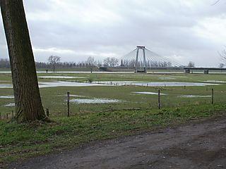 Maasbrug bij WijkenAalburg1