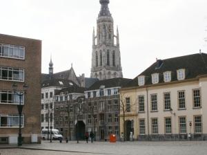 Kasteelplein en Grote Kerk Breda